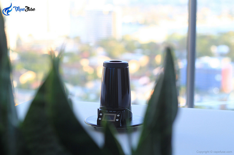 Arizer Extreme Q Desktop Vaporizer Review [VIDEO]