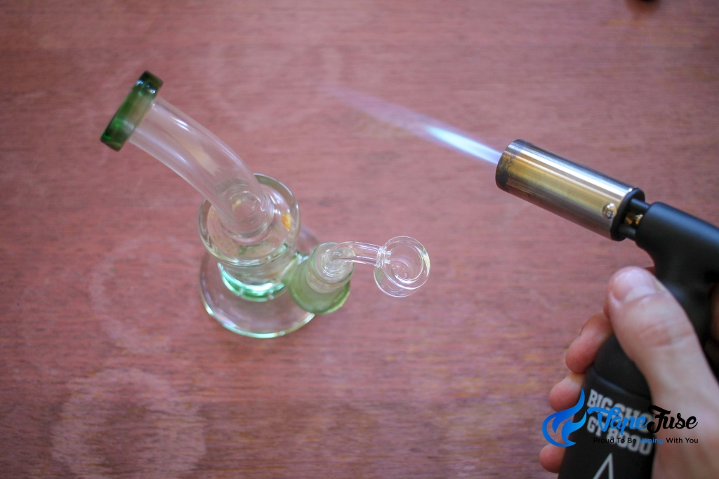 using dabbing concentrates torch