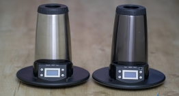 Arizer Extreme Q vs V-Tower – Which Arizer Desktop Vaporizer is for You?