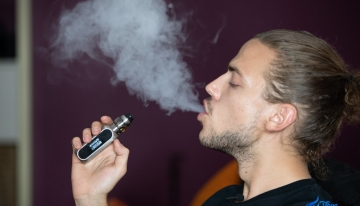Effective Hacks You Can Use to Open a Jammed Vape Tank